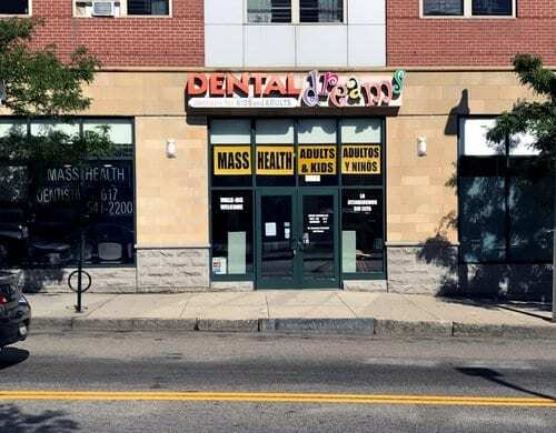 Family Dentist Located in Roxbury